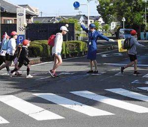 交通指導の様子